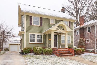Lakewood Single Family Home For Sale: 1494 Parkway Dr