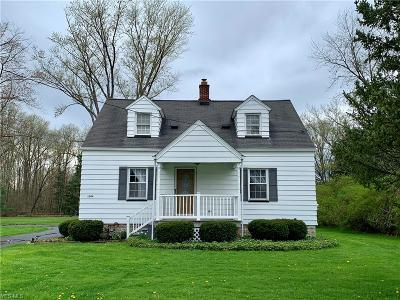Vienna Single Family Home Active Under Contract: 1304 Youngstown Kingsville Road