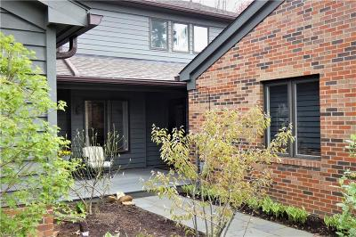 Chagrin Falls Condo/Townhouse For Sale: 44 Windward Way