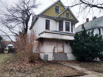 Cleveland Single Family Home For Sale: 10528 Columbia Ave