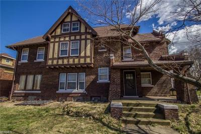 Cleveland Multi Family Home For Sale: 1115 Parkside Rd