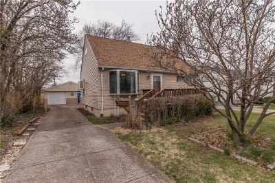 Brook Park Single Family Home For Sale: 5766 Doris Dr