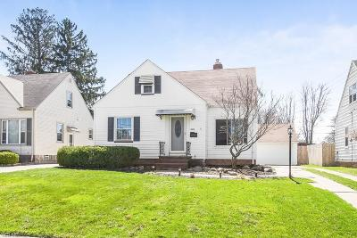 Parma Single Family Home For Sale: 10013 Ackley Rd