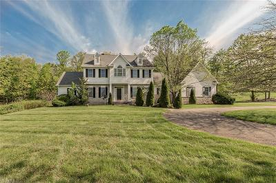 Chagrin Falls Single Family Home For Sale: 18075 Chanticleer Ct