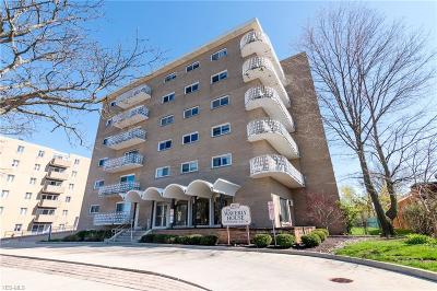 Lakewood Condo/Townhouse For Sale: 14567 Madison Ave #106