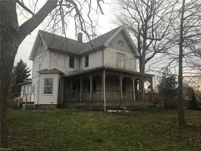 Massillon Single Family Home For Sale: 2215 Tremont Ave Southwest
