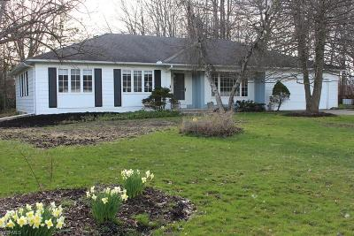 Chagrin Falls Single Family Home Contingent: 17634 Merry Oaks Trl