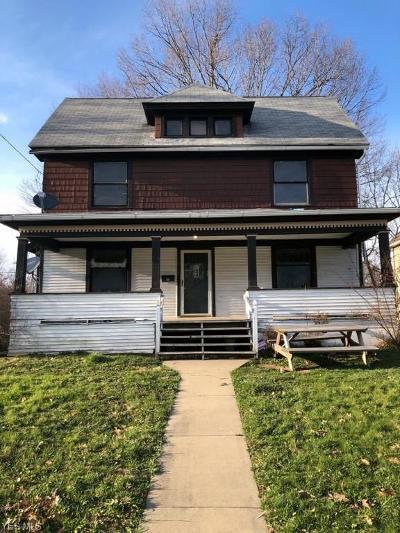 Ravenna Single Family Home For Sale: 878 West Main St