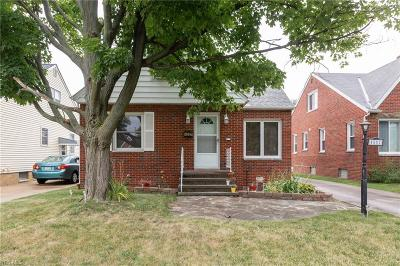 Parma Single Family Home For Sale: 4502 Grantwood Dr