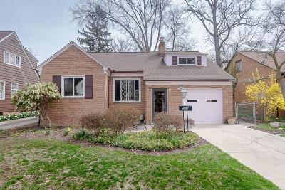 Bay Village Single Family Home For Sale: 555 Elmwood Rd