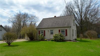Mahoning County Single Family Home For Sale: 2804 Evelyn Rd