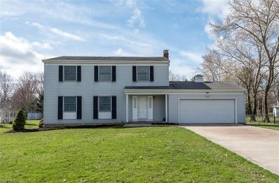 Broadview Heights Single Family Home Contingent: 3419 Ridge Park Dr