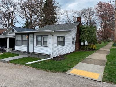 Conneaut Single Family Home For Sale: 1 Youngstown Dr
