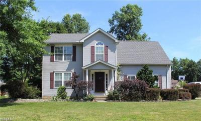 Lorain County Single Family Home For Sale: 7042 Oak Tree Dr South