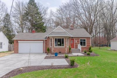 North Olmsted Single Family Home For Sale: 6067 Fitch Rd