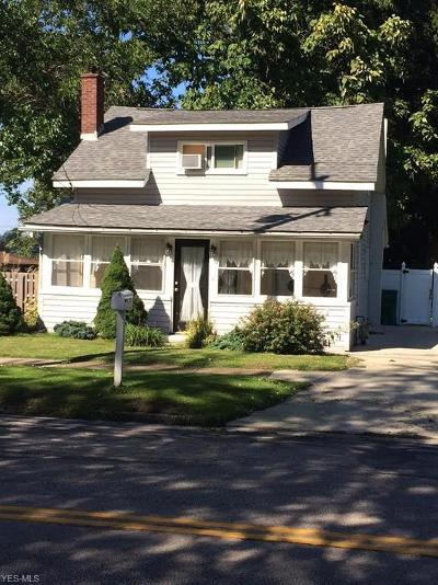 Conneaut Single Family Home For Sale: 856 Lake Rd