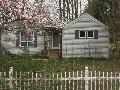 Kent Single Family Home For Sale: 911 Mae Street