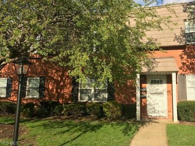 Rocky River Condo/Townhouse Contingent: 2701 Pease Dr #A115
