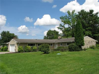 Pepper Pike Single Family Home Contingent: 31149 Pinetree Rd
