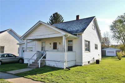 Muskingum County Single Family Home For Sale: 205 Chestnut St