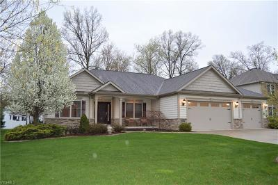 Strongsville Single Family Home Contingent: 21187 Breckenridge Ln