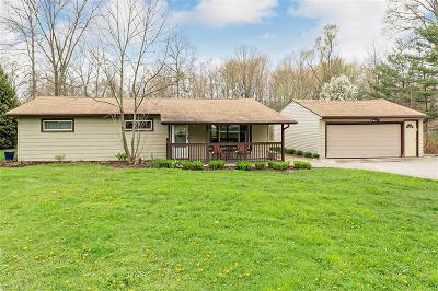 Chagrin Falls Single Family Home Active Under Contract: 19048 Hillside Lane