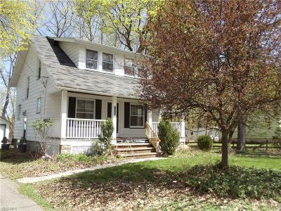 Chagrin Falls Single Family Home Contingent: 7048 Oak St