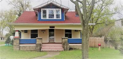 Elyria Single Family Home For Sale: 950 Gulf Road