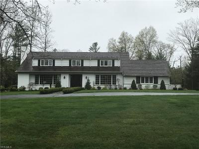 Pepper Pike Single Family Home Contingent: 33376 Woodleigh Rd