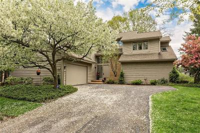 Beachwood Single Family Home For Sale: 2 Strawbridge Ct