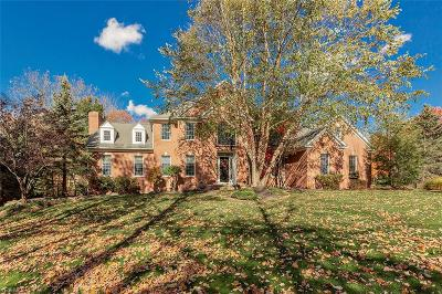 Chagrin Falls Single Family Home For Sale: 8280 Woodberry Boulevard