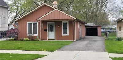 Elyria Single Family Home For Sale: 266 Harwood Street