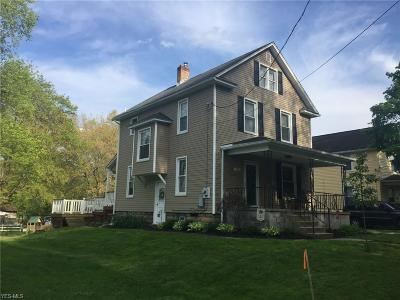 East Palestine Single Family Home Active Under Contract: 152 Carbon Hill Road
