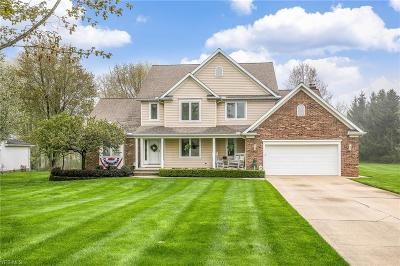 Willoughby Hills Single Family Home For Sale: 2745 Morning Star Ct