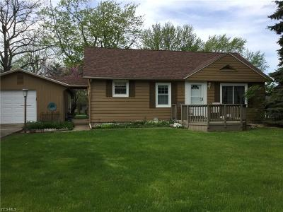 Ashland County Single Family Home For Sale: 1046 Winthrop Ln