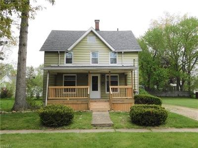 Ravenna Single Family Home For Sale: 348 North Walnut St