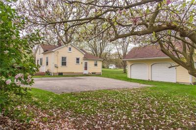 Single Family Home For Sale: 11986 Chillicothe Rd