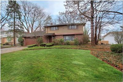 Lyndhurst Single Family Home Active Under Contract: 5452 Harleston Drive
