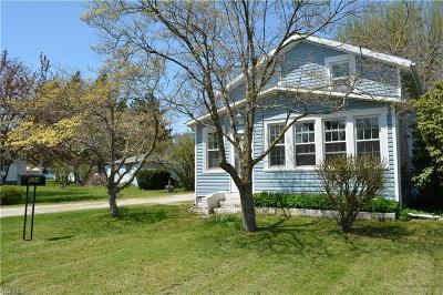 Conneaut Single Family Home For Sale: 694 Residence Street