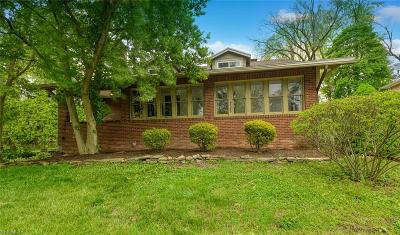 Canton Single Family Home Contingent: 721 Colonial Blvd Northeast