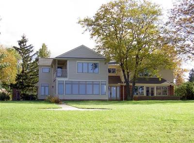 Lorain Single Family Home For Sale: 3408 W Erie Avenue