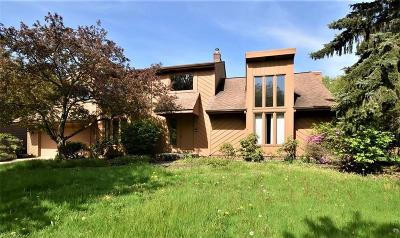 Solon Single Family Home Active Under Contract: 5496 Clarendon Drive