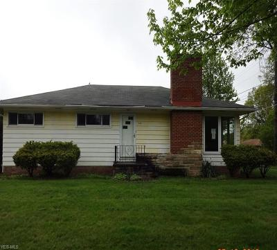 Parma Heights Single Family Home For Sale: 6391 Alexandria Dr