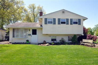 North Olmsted Single Family Home For Sale: 3580 Hunter Dr