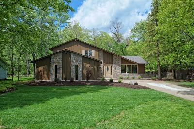 North Royalton Single Family Home For Sale: 10000 Applewood Dr