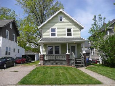 Lorain Single Family Home For Sale: 3210 Livingston Avenue