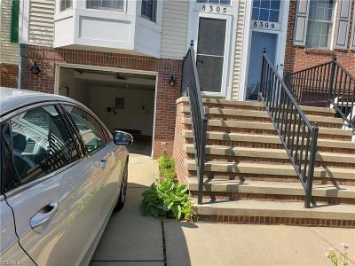 Cleveland Condo/Townhouse Active Under Contract: 8305 Beacon Place