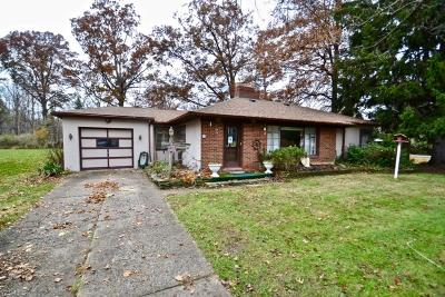 North Olmsted Single Family Home For Sale: 5256 Whitehaven Ave