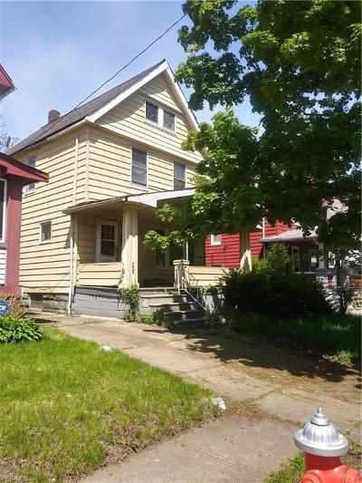 Cleveland Single Family Home For Sale: 482 E 114