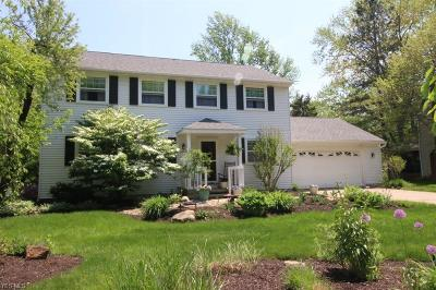 Beachwood, Chagrin Falls, Lyndhurst, Seven Hills, Solon, Aurora, Hudson, Kent, Reminderville, Sagamore Hills, Twinsburg Single Family Home For Sale: 5961 Eastham Way